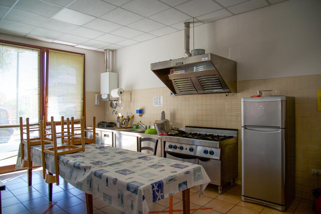 pa-avis-montemarciano-cucina